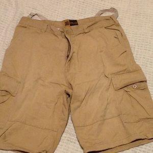 Other - Evolution men's khaki cargo shorts